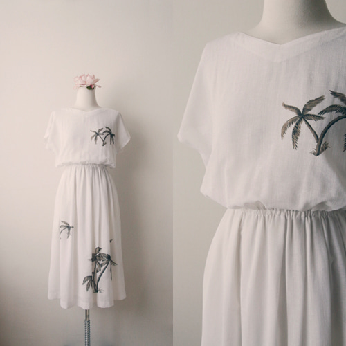[vintage] blanc palm summer dress