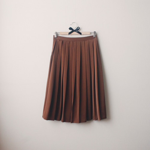 [by mani] miel pleats skirt