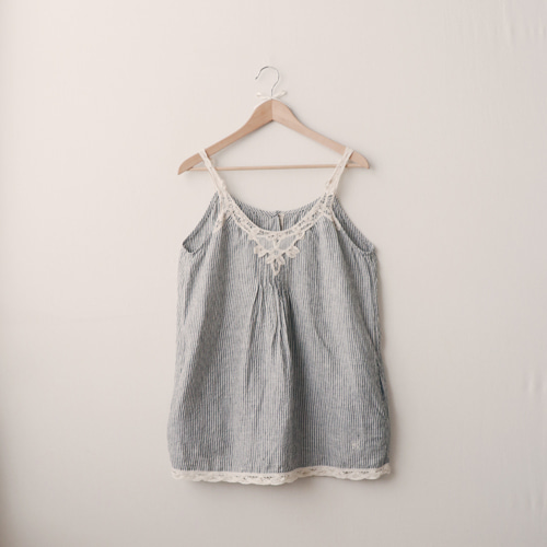 [vintage] lace linen sleeveless top