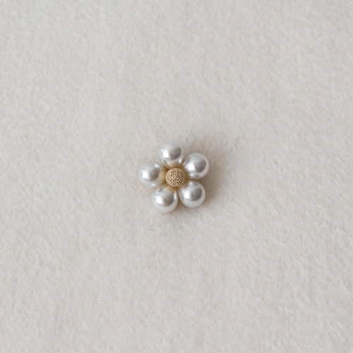 [by mani] flower pearl brooch (재입고)