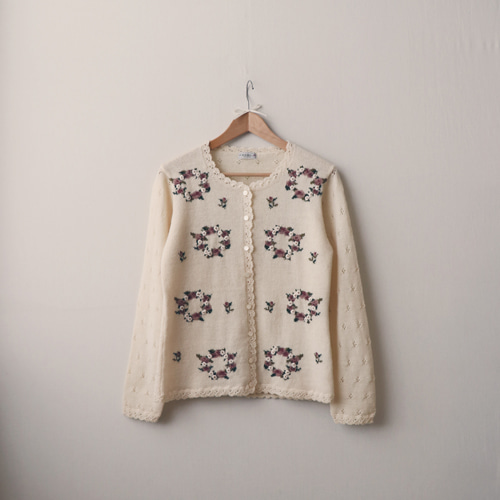 [vintage] rose embroidery cardigan