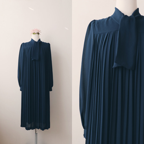 [vintage] noir pleats smock dress