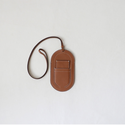 [by mani] oval phone pouch bag (camel)