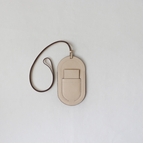 [by mani] oval phone pouch bag (trench)