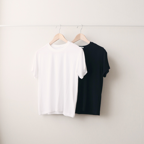 [by mani] mellow round t-shirt (black/white)